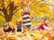 kids-playing-outdoors-860