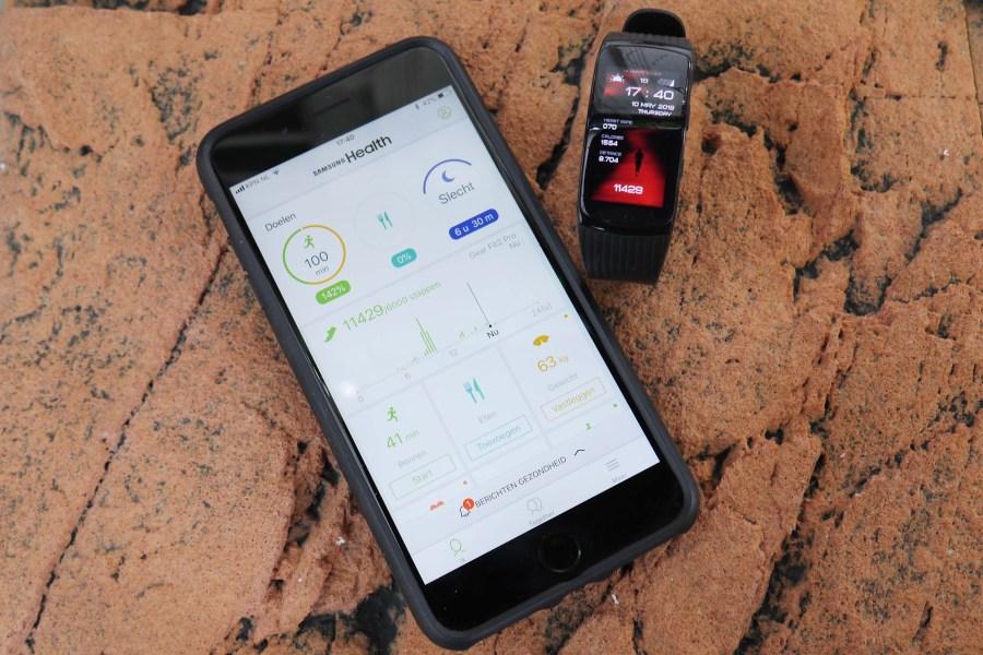 Verbind de Samsung Health app met de samsung Gear Fit 2 Pro en je ziet al je statistieken. Meer slapen dus....