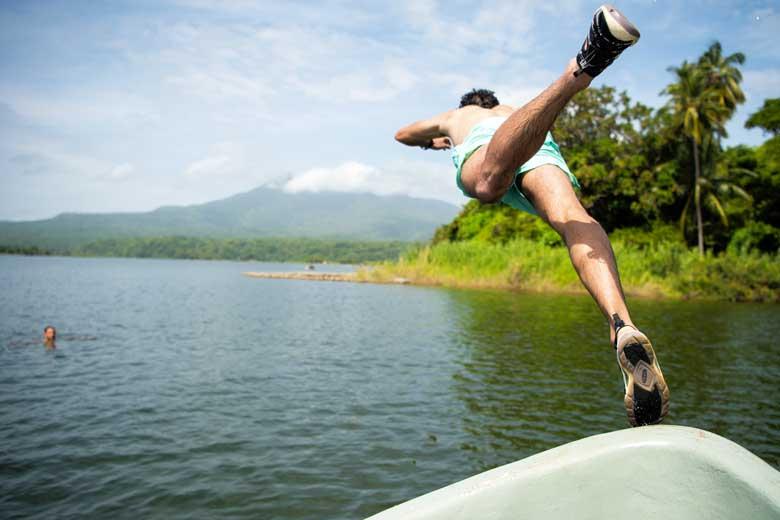 De Keen Evofit One is een veelzijdige sandaal voor land en water.