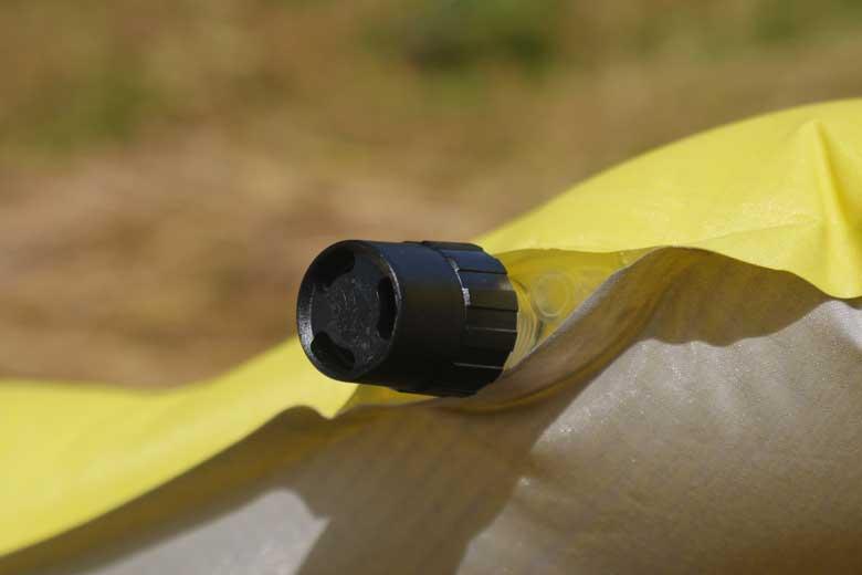 Thermarest NeoAir XLite MAX SV is comfortabele en dankzij het bijblaasventiel is de hardheid goed te regelen.