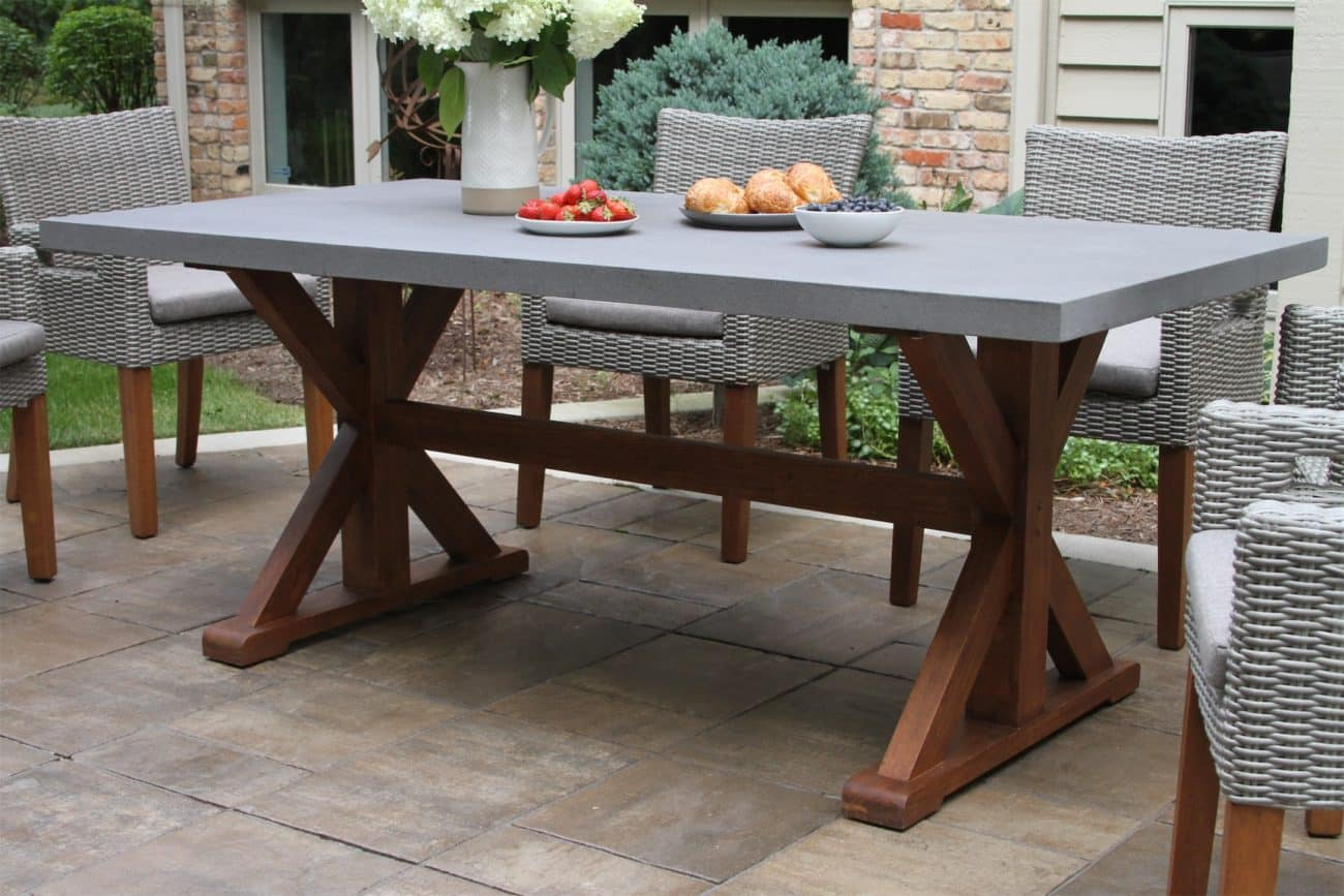 outdoor dining tables and chairs for
