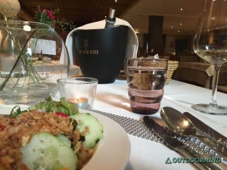 Salat-Vorspeise-Wein-Aktivhotel-Edelweiss-Outdoormind