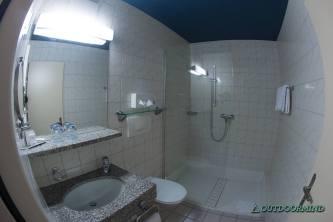 Badezimmer im Zimmer vom La Barca Blu