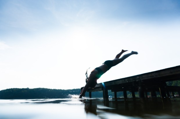 Sprung in den Mirower See