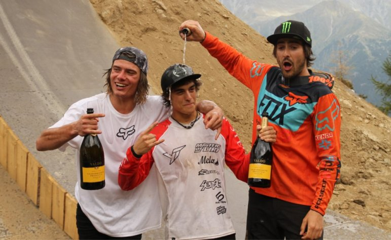 Nine Knights: Adolf Silva, Sam Reynolds, Nico Scholze