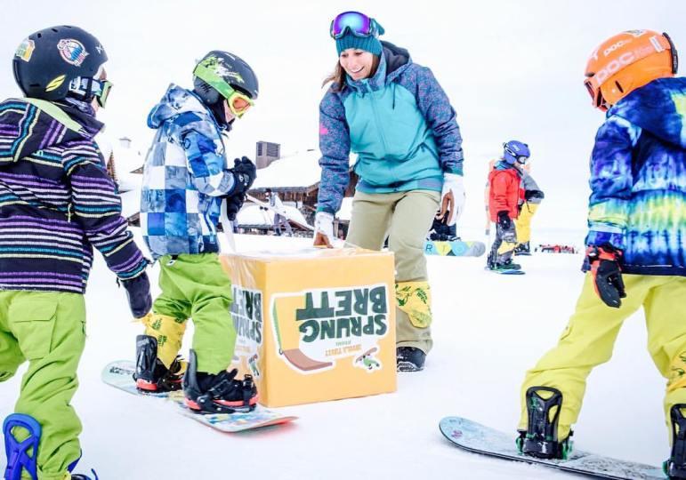 Nicola Thost lehrt Snowboarden