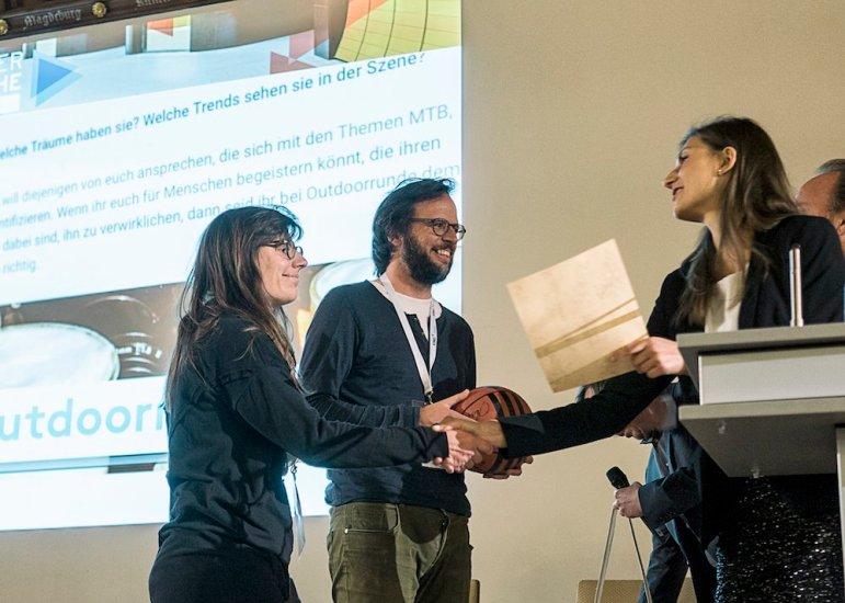 Isarnetz Blog-Award für die Outdoorrunde