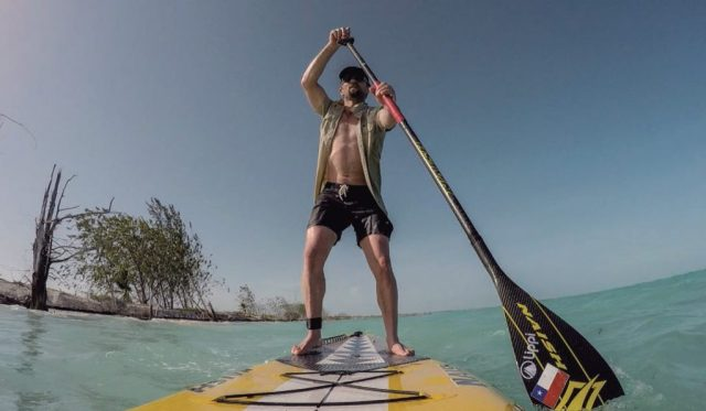 Cayo Cantiles, isla inhabitada con cara de postal, sin embargo sus playas expuestas a los vientos reciben toneladas de desechos. Triste testimonio del planeta habitado.