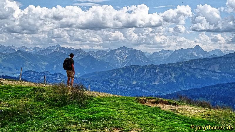 Wanderer am Riedberger Horn