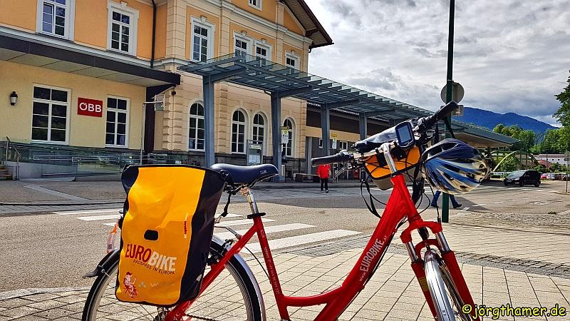 Eurobike Fahrrad vor Bahnhof Bad Ischl