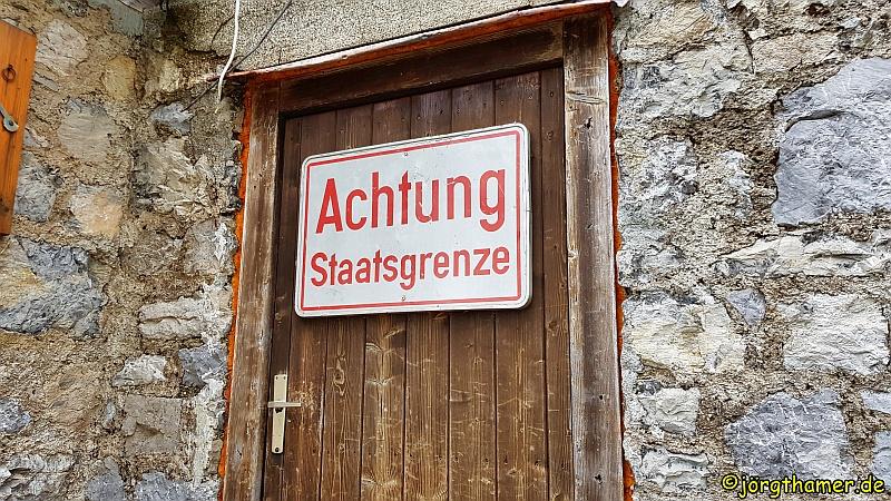 Staatsgrenze-Schild am Prinz-Luitpold-Haus