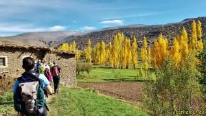 Wandern im Tal der Glückseligen - kontrastreiche Landschaft