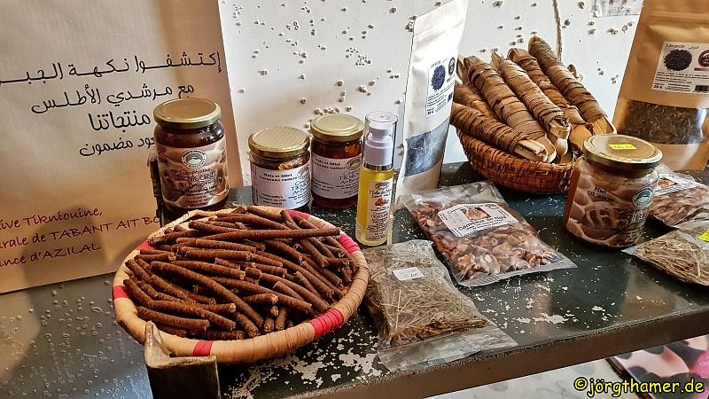 Produkte einer Walnusskooperativel in Marokko
