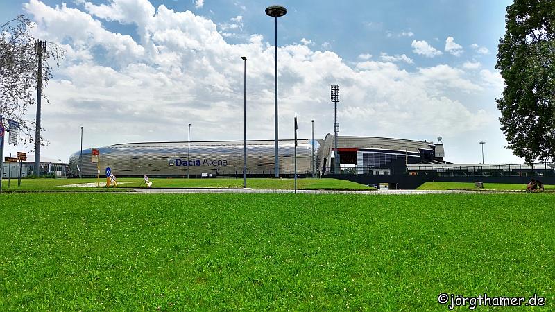 Die Dacia-Arena am Stadtrand von Udine