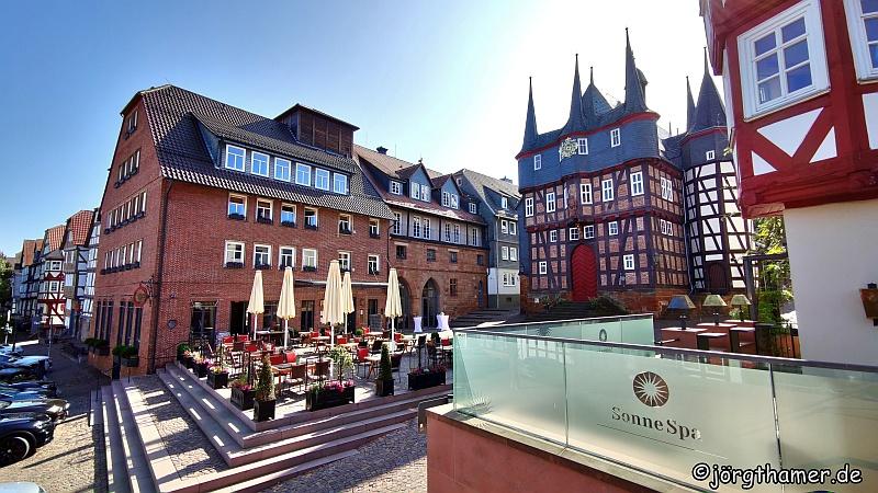 """Hotel """"Die Sonne Frankenberg"""" und Rathaus"""