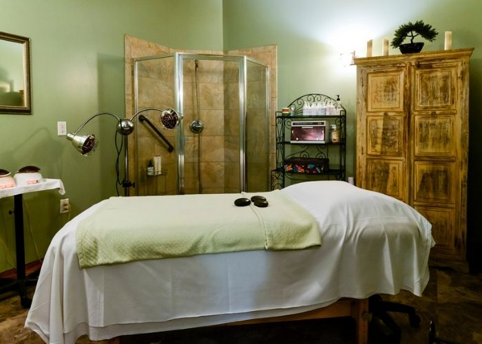 Hairoics spa treatment room in the outer banks