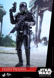 hot-toys-death-trooper-04