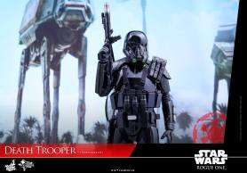 hot-toys-death-trooper-08