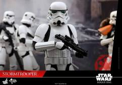 hot-toys-rogue-one-stormtrooper-006