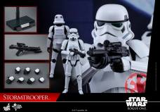 hot-toys-rogue-one-stormtrooper-011