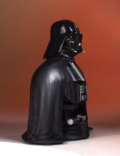 SDCC-2017-Darth-Vader-Bust-009