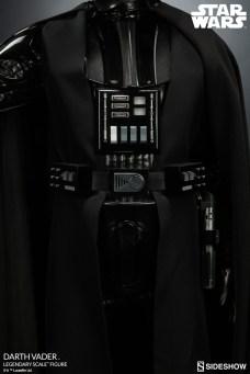 star-wars-darth-vader-legendary-scale-figure-400103-12