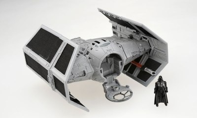 Darth Vader TIE Advanced Star Wars Transformers figure.