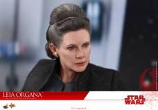 Hot-Toys-Last-Jedi-Leia-006