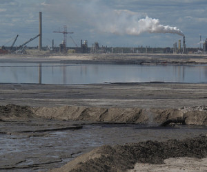 "A tar sands refinery. Photo credit: <a href=""http://www.flickr.com/photos/pembina/"">the Pembina Institute</a>"