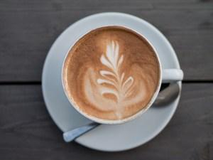 Eine Tasse Cappuccino by Johannes Rost