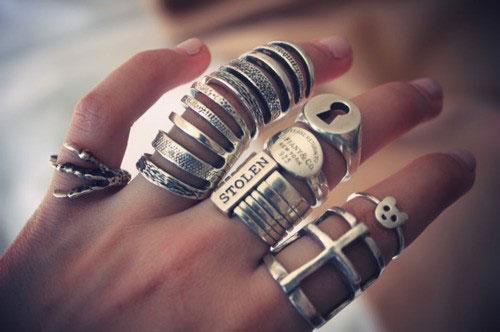 metal-jewelry-10