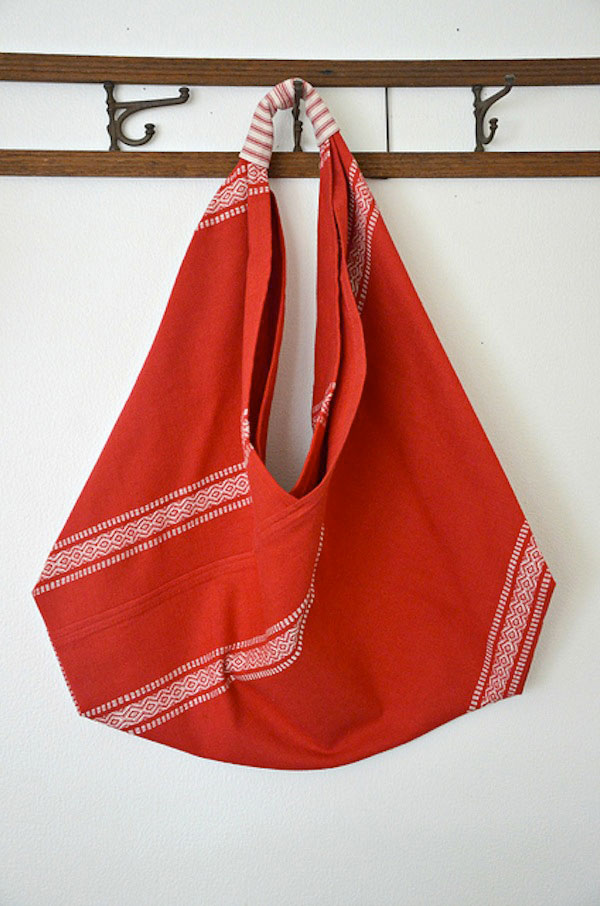 Whipup.net-triangle-origami-margiela-bag-tutorial-2