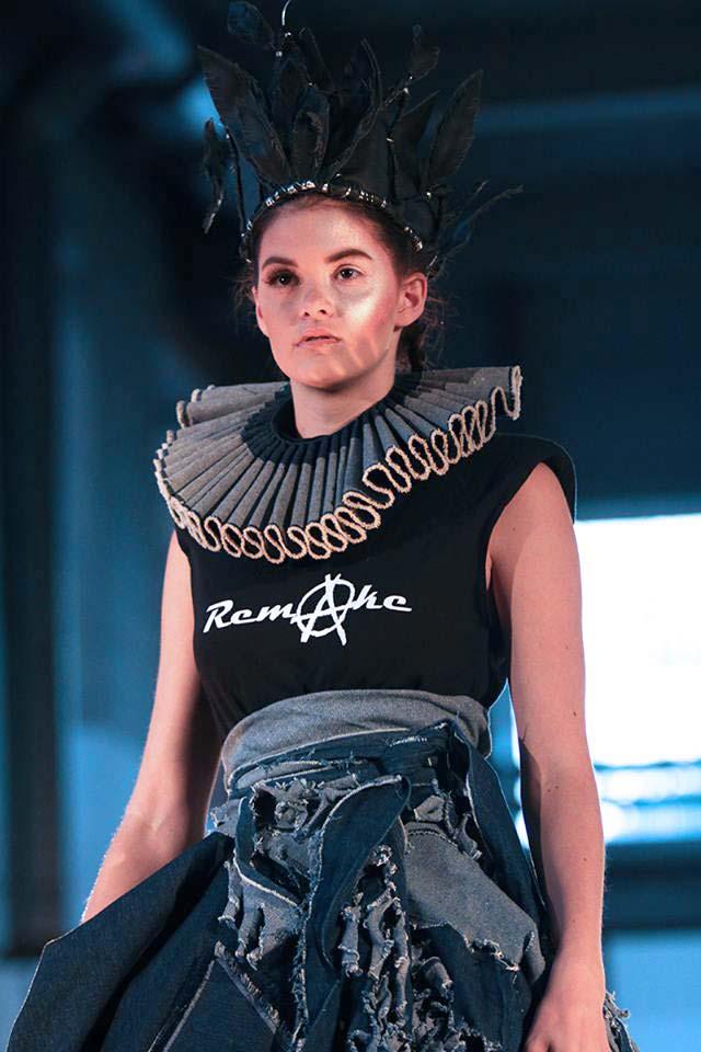 Clothes: Paula Malleus