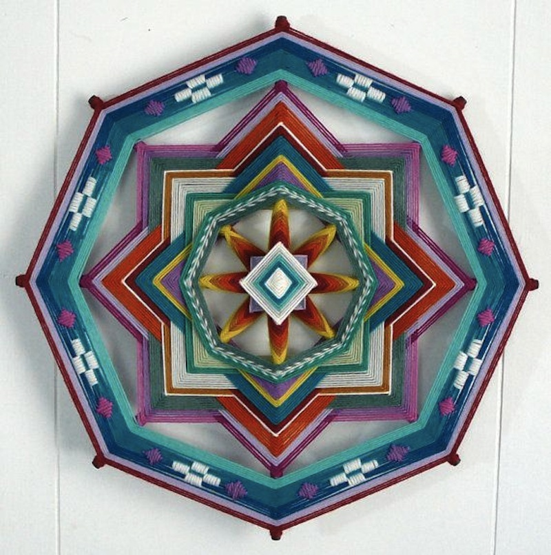 The Ojo de Dios Gods Eye weawing crafts 13