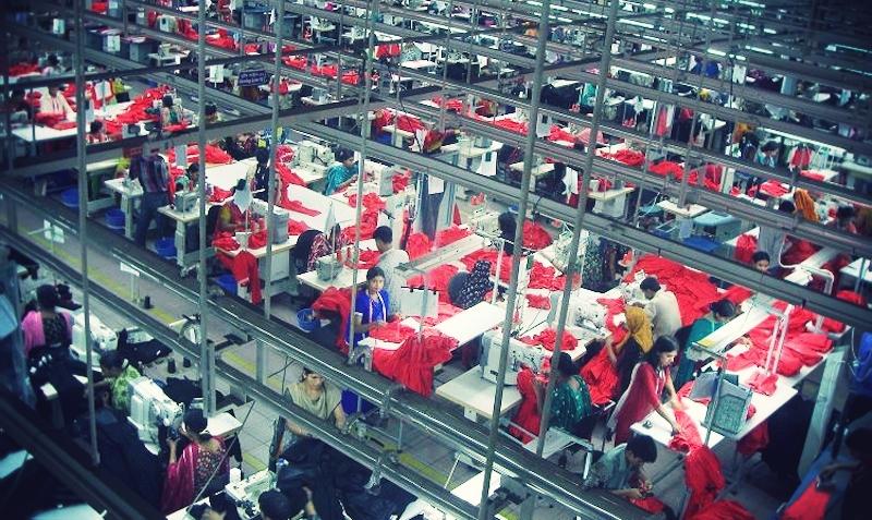 Garments_Factory_in_Bangladesh.jpg_effected-001