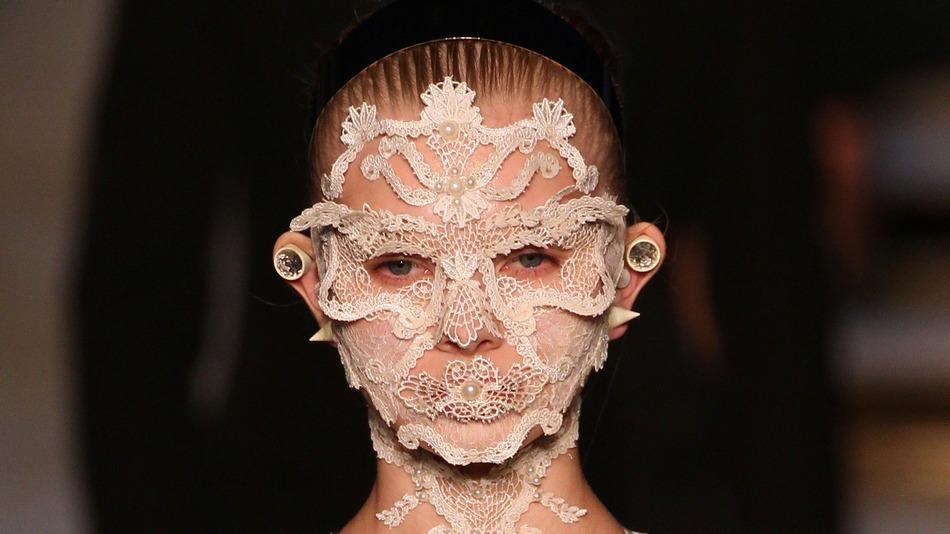 Givenchy makeup SS16 16