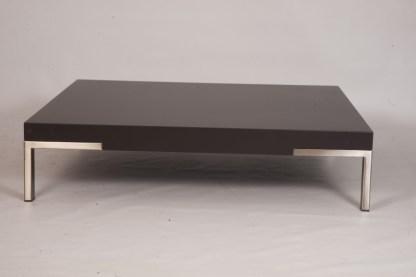 Tavolino Romeo di Emaf Progetti per Zanotta Marrone Goffrato 92x92x22
