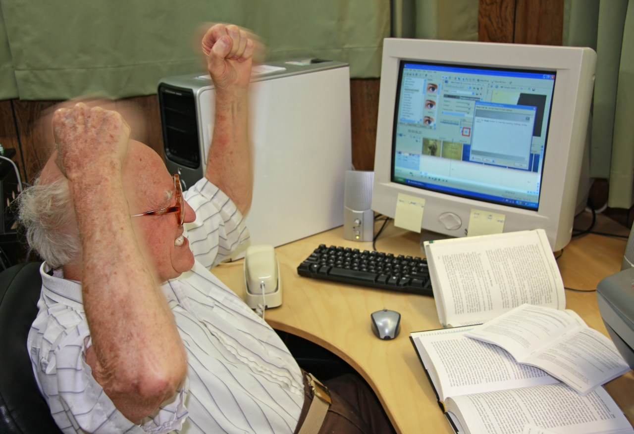 Old People Can T Open New Tabs And It S Fueling Our Descent Into