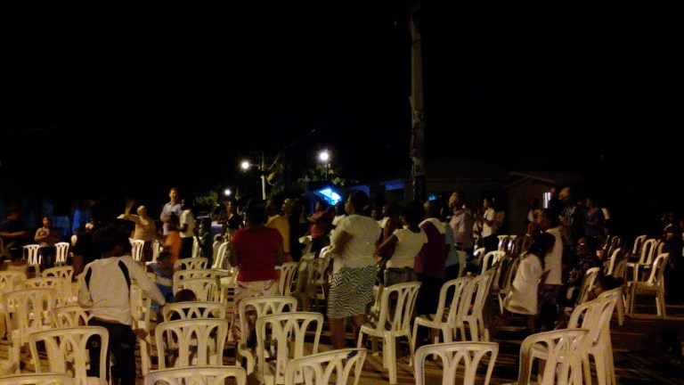 Outdoor service with the Church of La Colonia.