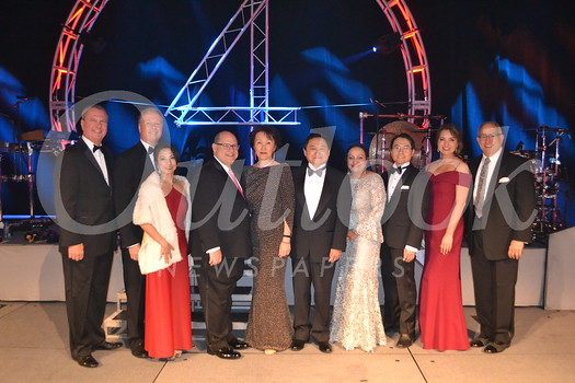 Methodist Hospital President and CEO Dan Ausman, Hospital Board Chairman of the Board Bill Lewis, Crystal Ball co-chair Susan Woo, Mickey Segal, honorees Sherry and Shone Wang, Crystal Ball co-chair Patricia Nijjar, Medical Director of Interventional Radiology Dr. K.C. Tan, Crystal Ball event manager Gloria Rico, and Methodist Hospital Foundation President Mike Driebe