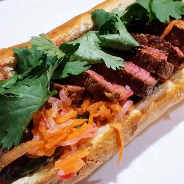 Bánh Mì met biefstuk - Vietnamees broodje