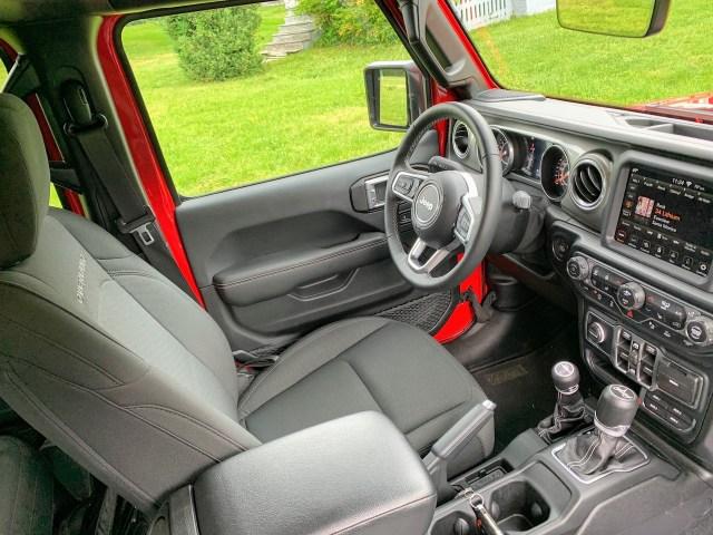 Jeep Gladiator Overland interior