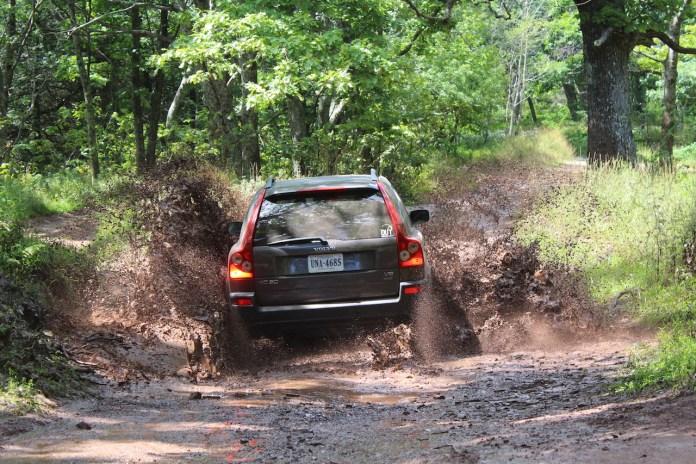 Volvo XC90 through mud