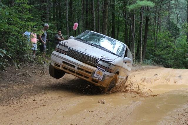 Chrysler Town & Country three wheels