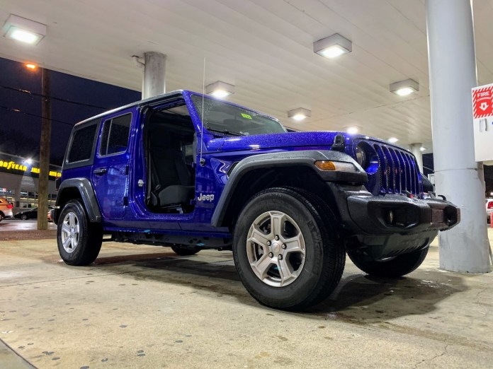 2019 Jeep Wrangler front doors removed