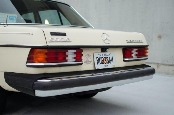 W123 Mercedes-Benz rear