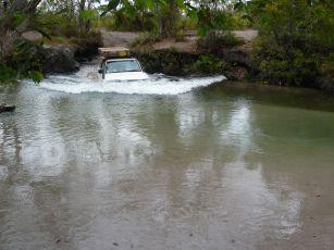 4x4-Water-crossing