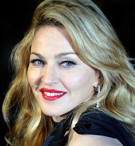 Madonna will stand up for gay rights in St. Petersburg