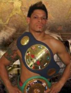 Boxing champion comes out as gay
