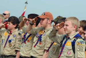 Boy Scouts to re-consider gay ban